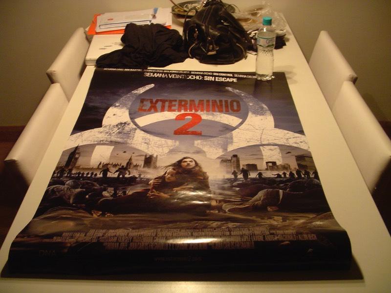 Exterminio 2 foi um filme que criei uma expectativa grande mas que acabou ficando meio esperado. Pelo menos eu ainda me lembro do impacto que foi o primeiro filme. Que por sinal, assisti numa pré estréia em meados de 1999.