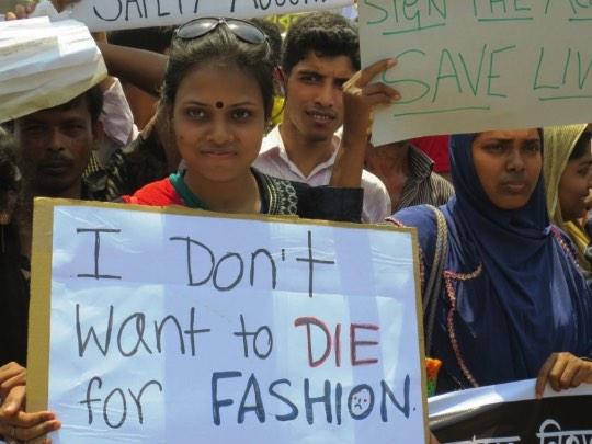 Udita Arise acompanha um grupo de mulheres do Bangladesh
