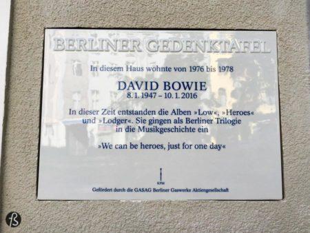 David Bowie em Berlim deve ter sido algo estranho de se ver mas aconteceu e a Haupstrasse 155 está aqui de testemunha disso tudo.